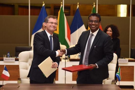 CNES and SANSA ratify partnership agreement